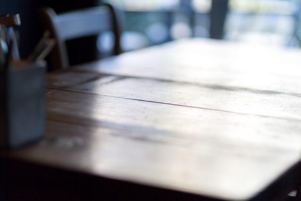 大きなダイニングテーブルの不用品回収